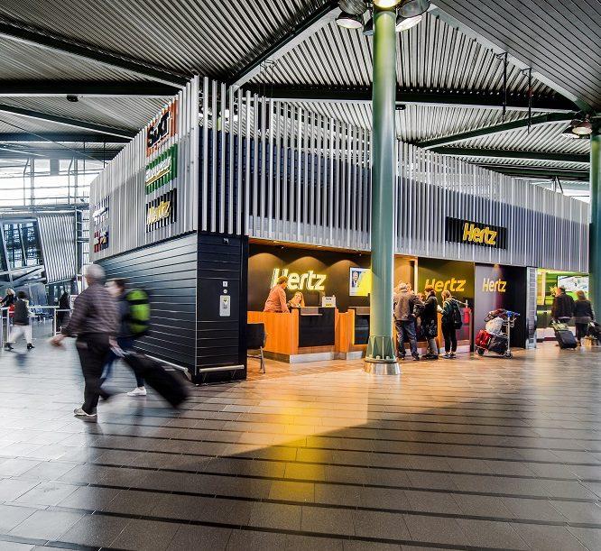 Diverse Parkeermogelijkheden Binnen En Rondom Schiphol